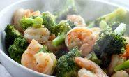 ผัดผักบล็อกโคลี่กุ้ง – Saute Broccoli With Shrimp